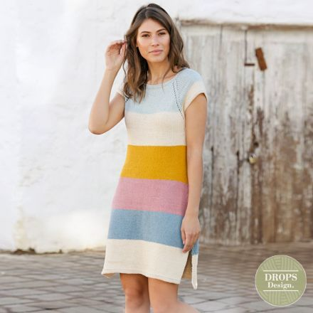 breipatroon jurk dames met strepen en split aan zijkant